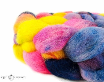 Hand Painted BFL (Blue Faced Leicester) - {Sunset at PAX} - 4oz - Classic - Combed Top Roving - Spinning Fiber