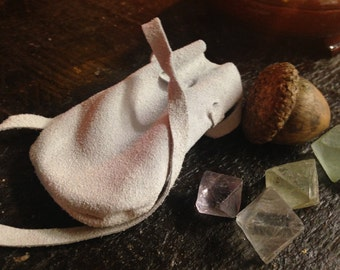 Leather medicine bag-white leather pouch-Leather bag-Leather neck pouch-Hippie Neck Bag-Crystal Bag-Shamans Bag-Leather pouch-Necklace bags