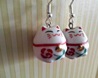 Red Maneki neko / Japanese Lucky Cat Earrings