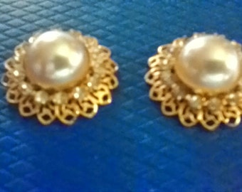 Shoe Clips have faux pearl cabochons and sparkling rhinestones