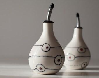Handmade porcelain oil carafe • red • green  or orange • modern • simple • refined • gift • cook • friend • housewarming • ceramic