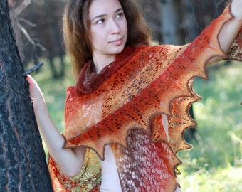 """Large hand knitted woolly lace triangular shawl from Kauni """"rusty"""" color yarn"""