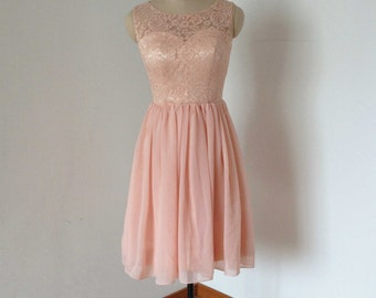 Round Neckline Pearl Pink Lace Chiffon Short Bridesmaid Dress