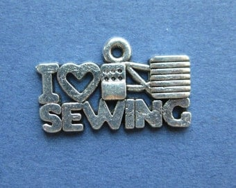 10 I Love Sewing Charms - I Love Sewing Pendants - Antique Silver - 20mm x 12mm --(P5-10774)