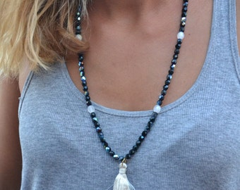 Necklace - Pearls facet of Bohemia and large pompom