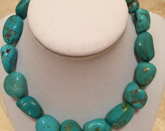 Turquoise necklace with silver toggle clasp