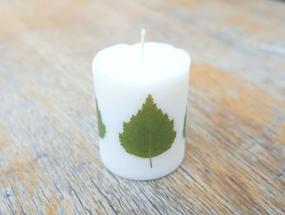 Soy wax candle with real birch leaf decoration by milicrafts for Decoration wax
