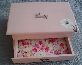 Daisy Jewellery Box - Handpainted to your specifcations