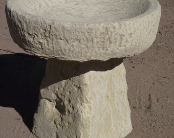 Beautiful Hand Crafted/Finished Cotswold Stone Obelisk Bird Bath Birdbath Classic Shape Garden Ornament