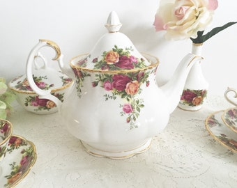 Royal Albert Old Country Roses Teapot: English Teapot, Floral Teapot, Wedding Teapot, English Fine China Teapot, Tea Party Teapot