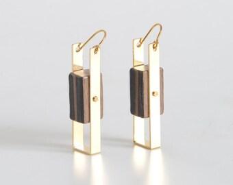Balance wood earings - Gold earrings - Exotic wood jewelry