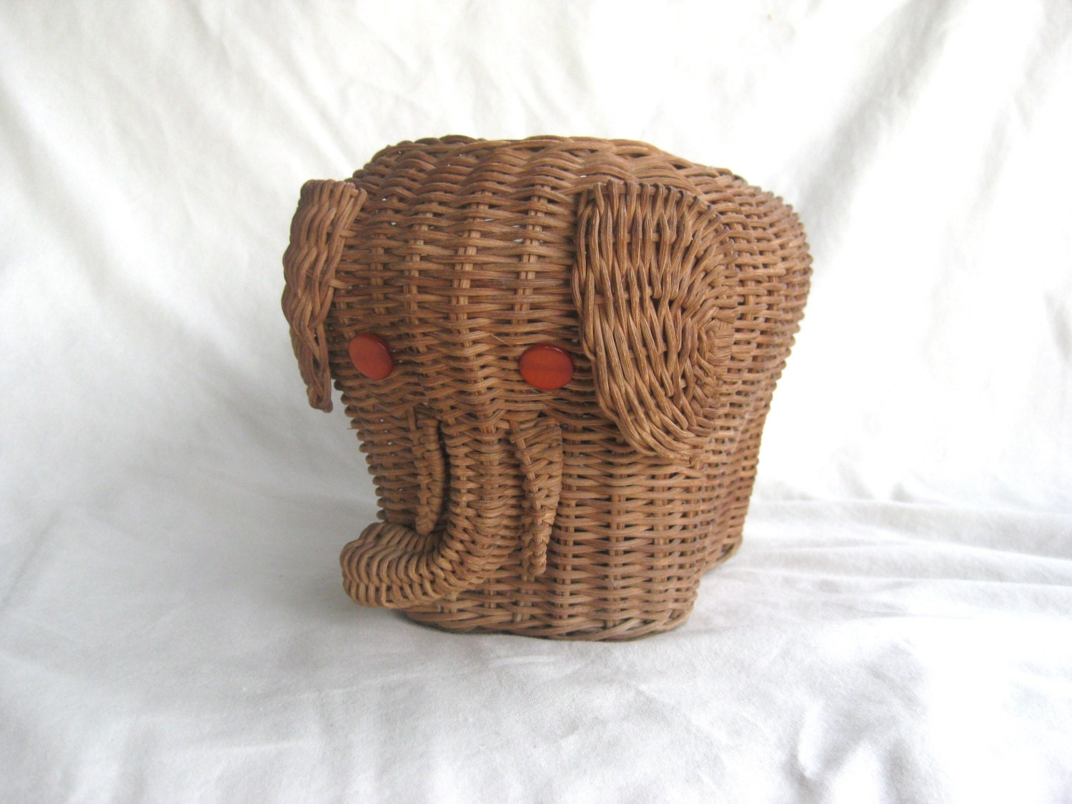 Vintage wicker elephant basket animal button eyes woven - Elephant hamper wicker ...