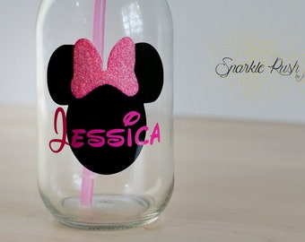 Personalized Minnie Mouse Mason Jar with Lid and Straw/mason jar cup/Mason Jar/Glass/Minnie Mouse