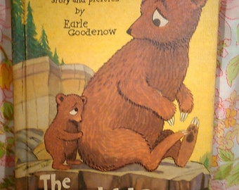 The Bashful Bear - Earle Goodenow - 1956 - Vintage Kids Book