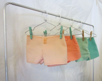 Separates: Bright shorts with buttons, for Minifee dolls