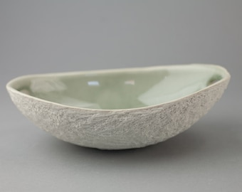 DISCOUNTED - Grey Crackle Oval Serving Bowl with Handles - Walnut Texture Porcelain White Dish