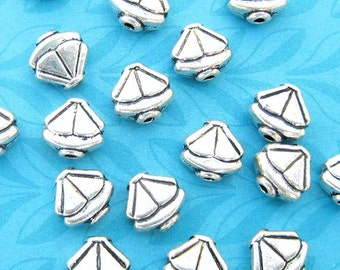 8 Triangle Beads, Sailboat Beads, Silver Plated, 9mm Beads, Geometric Beads, Silver Beads, Metal Beads, Spacer Beads, DIY Jewelry - TS657B