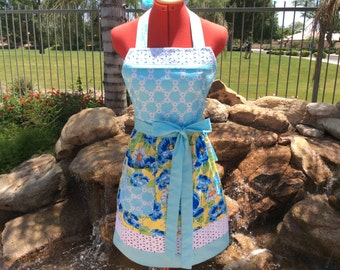 Sassy Apron, Retro Style with Daisy Eyelet Trim and Towel Loop, Womens Misses and Plus Sizes, Poppy Flower Apron, Kitchen, Full, Retro Apron