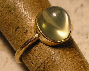 Green Moonstone Ring, 18 kt yellow gold, sz 7.75, Unusual Natural Gemstone, handmade mounting