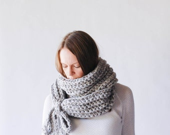 Chunky Cowl Scarf Wrap With Ties / THE YORKTON / Grey Marble
