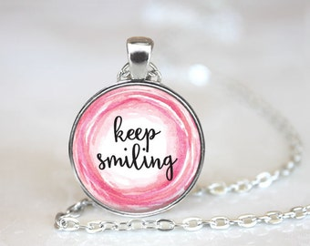 Keep Smiling Changeable Magnetic Pendant Necklace with Organza Bag
