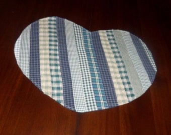 Handmade Quilted Heart Placemat, 13x15 Inches,  Primitive Decor, Green Homespun, Strippy Placemat, Machine Quilted