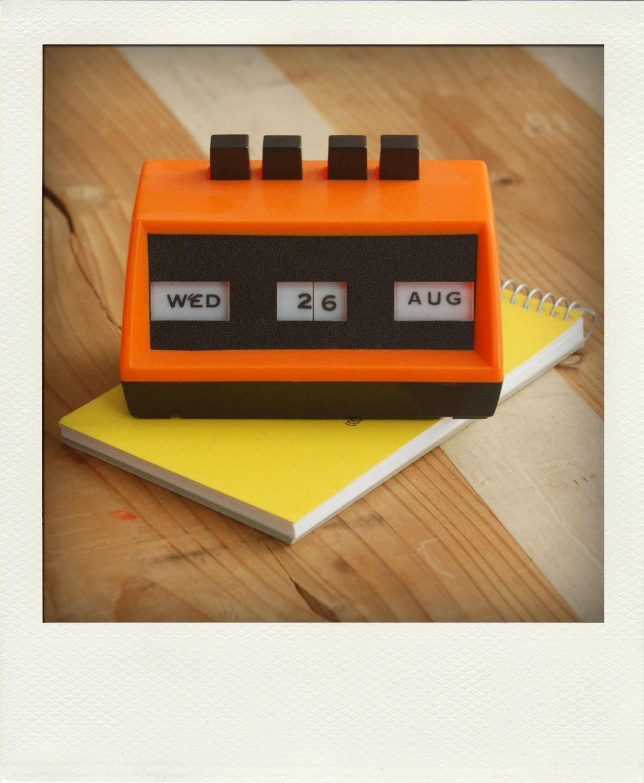 Perpetual Calendar Desk : Perpetual desk calendar no retro orange black push