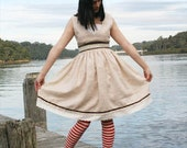 Vintage Style Dress made with Linen and Lace in Size 10 (Australian Sizing)