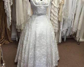 STUNNING  Original 1950s Glamorous GODDESS  Silk and Beaded Shelf Bust Wedding Dress - Elizabeth Taylor - Grace Kelly