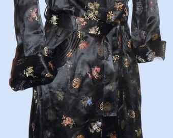 Women's late 1930's thru 50's Elegant Black Satin Robe SZ Med./Large