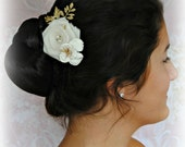 Ivory and Gold Bridal Comb, Gold Hair Comb, Ivory Rose Wedding Comb, Gold Leaves, Pearls and Crystals - VALENTINA