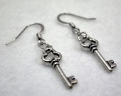 Silver Clover Key Earrings - Silver Key Earrings, Steampunk Earrings, Neo Victorian Earrings, Costume, Cosplay, Steam Punk, Valentine's Day