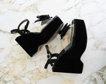 1970s GLAM Black Velvet Platform Wedges with Bow Size 8 / 8.5