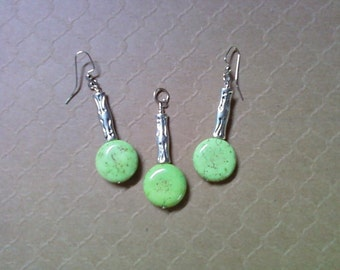 Mint Green and Silver Pendant and Earrings (2224)