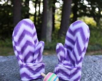 Toddler Stay On Fleece Wrap Mittens in Purple & White Chevron - Baby Mittens - Fleece Mittens