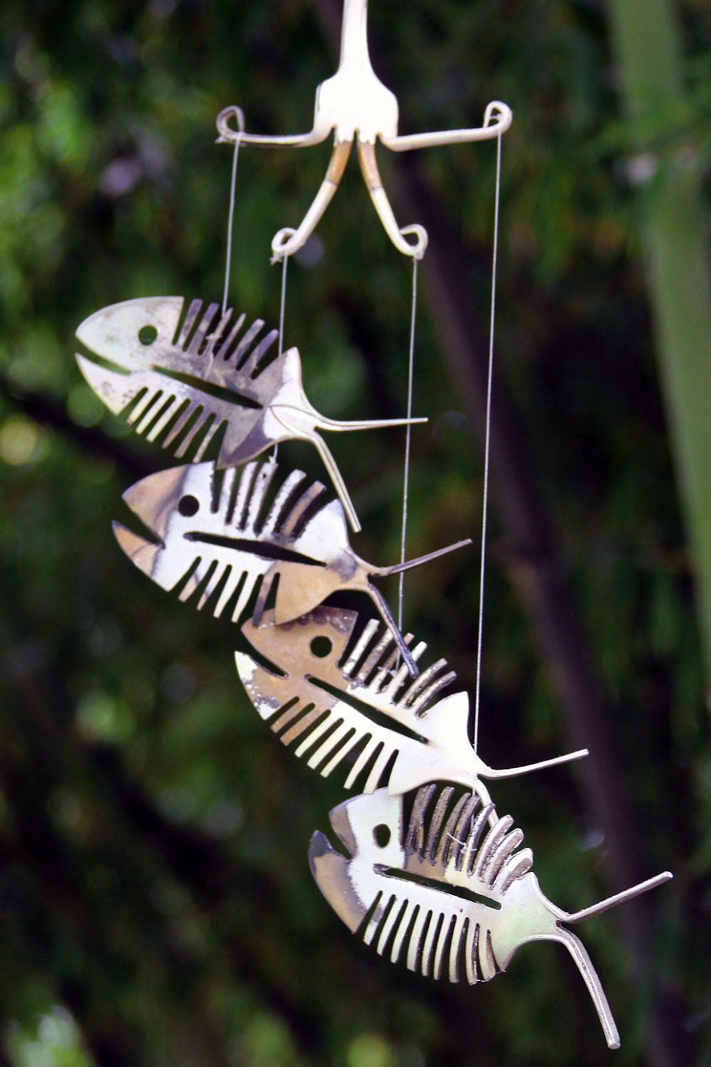 Rustic bonefish upcycled flatware windchime rustic patina for Deco exterieur halloween