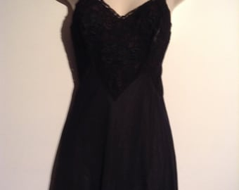 Black Lace slip or nightgown. All Nylon,  Munsingwear, size 32.  Vintage 1960.  New Old Stock.