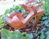 1970s Leather Heels Real Wood Honey Ankle Straps // US SIZE 6