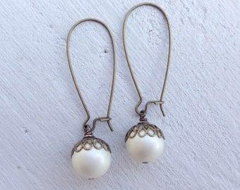 Pearl Earrings/Cream Pearl Earrings/Rustic Wedding Earrings/Vintage Pearl Earrings/Garden Wedding Earrings/Pearl Bridesmaid Earrings