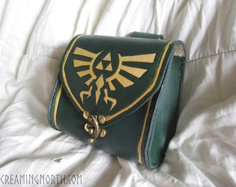 Leather Legend of Zelda Hylian crest belt pouch with Triforce