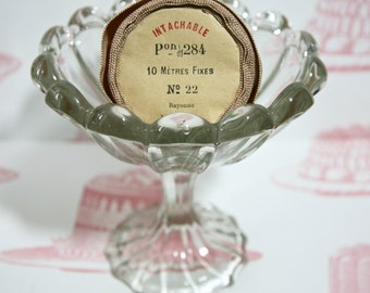 Charming English Vintage Glass Ice Cream Bowl