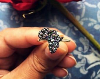 Sparkling Black Africa Ring