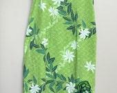 Vintage Womens Dress Tiki Royal Creations 1950s/1960s Green Hawaiian Wiggle Dress  Size Small