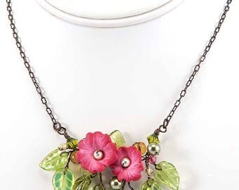 Green and Pink Flower Necklace, Pink Floral Necklace, Pink Bridal Jewelry,  Pink Beaded Necklace, Nature Necklace,