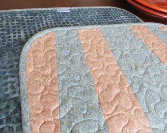 Quilted Dinette Placemats Peach Seafoam Bistro 477