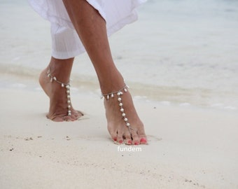 Ivory or white Pearl drops barefoot sandal,anklet, beach wedding barefoot sandals, boho anklet, wedding anklet,bridesmaid accessories
