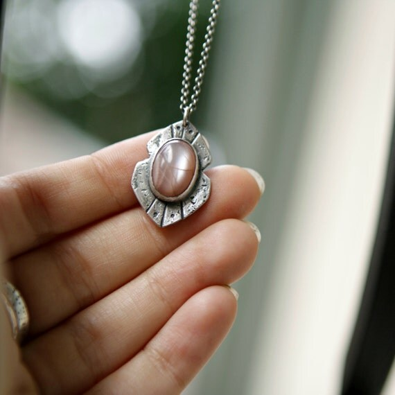 Gold Sands Peach Moonstone Necklace Astra Necklace