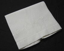 Vintage 1960s or Earlier Waffle Weave Linen Guest Towel in White with Tone on Tone White Hand Embroidery, Plain & Simple White Decorating