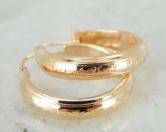 Textured and Engraved Hoop Earrings in Coppery Gold PEE8VJ-N