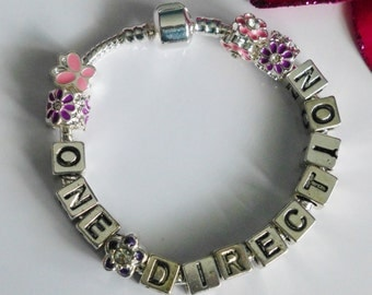 One Direction boy band name charms bracelet pink purpal - Choose name - Harry Zayn Louis Niall or Liam